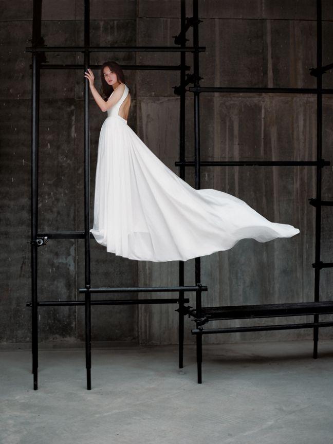 Молочное открытое свадебное платье Ида (бренд Миламира)