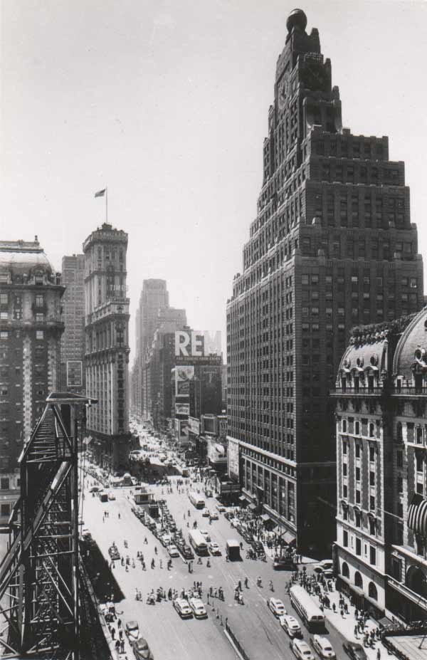 Times Square retrofuturista.: Nyclov Vspink, Time Squares, York Cities, Vintage Time, Nyc Hotels, Squares Photographysnob, Squares Nyclov, Hiltontimessq Nyc, Nyc Time