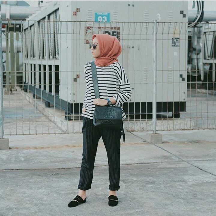 Fashion Mix And Match Baggy Pants Buat Hijabers Wanita