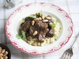 marokkanisches Rindfleisch mit Pflaumen