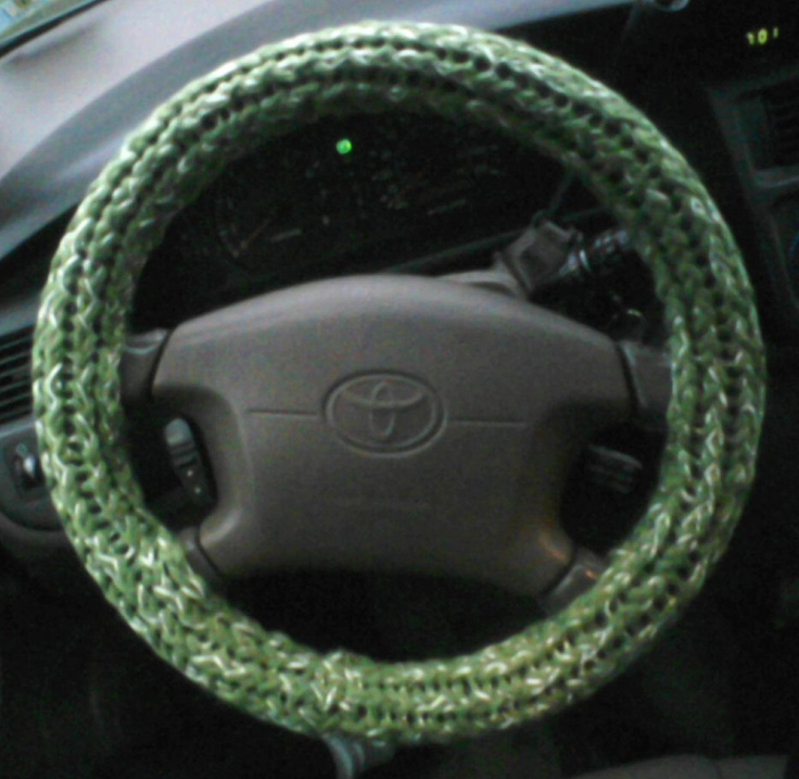 Loom Knit - Steering Wheel Cover by the Loom Dude