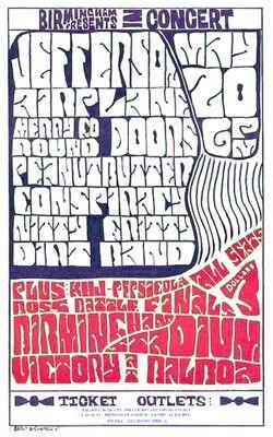 https://m.facebook.com/LabandaRockpop  El 20 de mayo 1967 (sábado) The Doors se presenta en el Birmingham Escuela Secundaria Estadio Van Nuys, California. Antes de su concierto en el Whisky A Go Go esta noche, The Doors se presenta en el estadio de fútbol de Birmingham High School en Van Nuys, California Este es el primer fin de semana deThe Doors, gerente Bill Siddons con la banda. Además de los grupos mencionados, hubo una batalla de las bandas que ofrecen varios actos locales, uno de los…