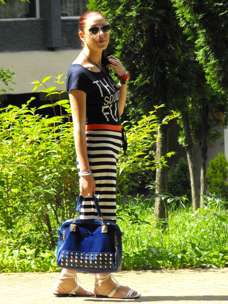 http://www.tidestore.com/Wholesale-Bags-100110/?Deyutzablog