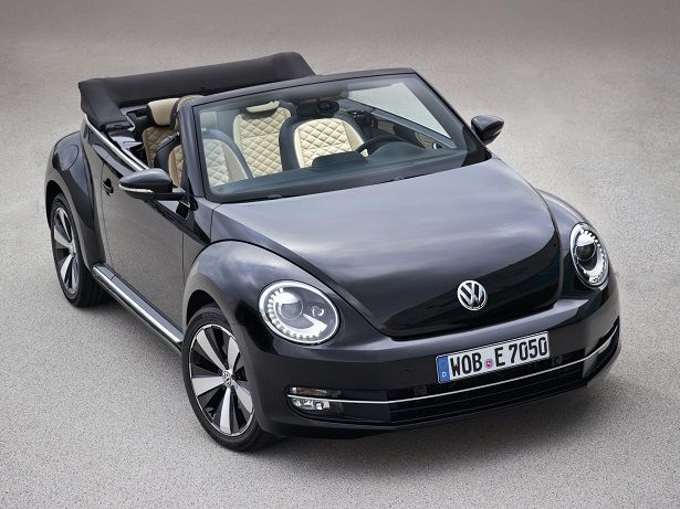 Volkswagen Beetle Cabrio Exclusive (2012).