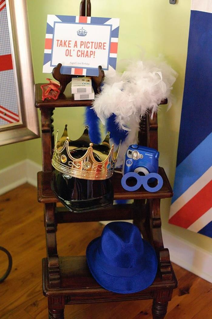 """London Calling""- A British Themed Birthday Bash -- photo op (do different for baby shower - umbrellas, bow ties, etc?)"