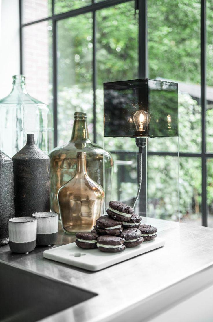 Tafellamp Box - Zwart - Large - HK Living - Woonwebwinkel LiL.nl #light #lamp #table #box #glass #interior #lilwonen