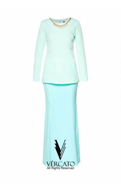 Flourish with classic femininity this Raya season in this beautiful baju kurung by VERCATO. Demure and chic, you'll love the lovely textured top with the detachable faux pearl necklace. SHOP here http://www.vercato.com