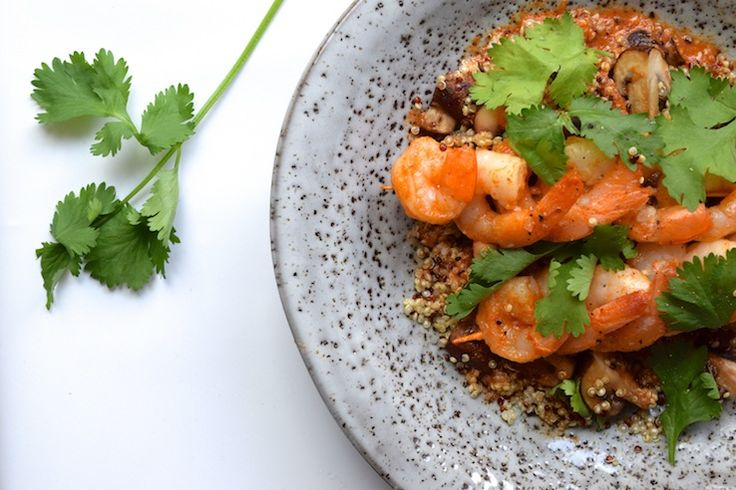 Skinny Six: Quinoa met garnalenspiesjes