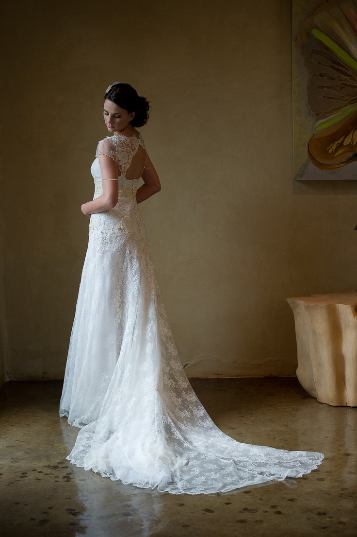 Vintage Chantilly lace www.ecobride.co.za  Photography by Mario Photo #EcoBride