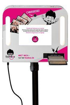 FOTOBOX MIETEN für 250€, nur beifexobox.de Fotobox mieten, günstig und einfach Du willst eine Fotobox für deine Hochzeit oder Party mieten? Dann bist du bei uns genau richtig! Bei fexobox® bekommst Du eine professionelle Fotobox mit HD-Kamera und
