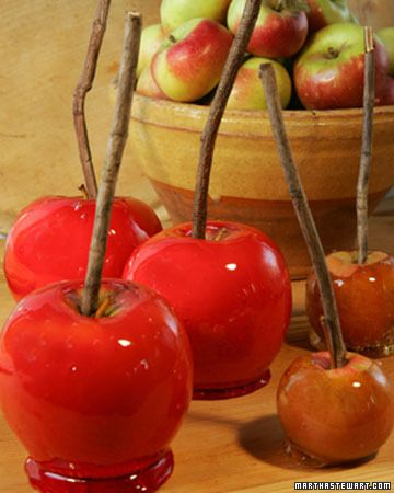 I always forget how much I like a good candy apple. These would make a fantastic party treat for Halloween or Thanksgiving.: Holiday, Candy Apples Recipe, Apple Recipes, Sweet, Food, Martha Stewart, Dessert