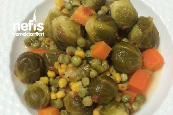 Zeytinyağlı Brüksel Lahanası Yemeği Tarifi nasıl yapılır? 157 kişinin defterindeki bu tarifin resimli anlatımı ve deneyenlerin fotoğrafları burada. Yazar: Betül Dinçel