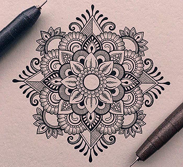 Mandala Zeichnen Detaillierte Zeichnung Miz Floralen Und Geoemtrischen Motiven Schone Bilder Zum Sel Mandala Art Lesson Mandala Tattoo Design Mandala Drawing