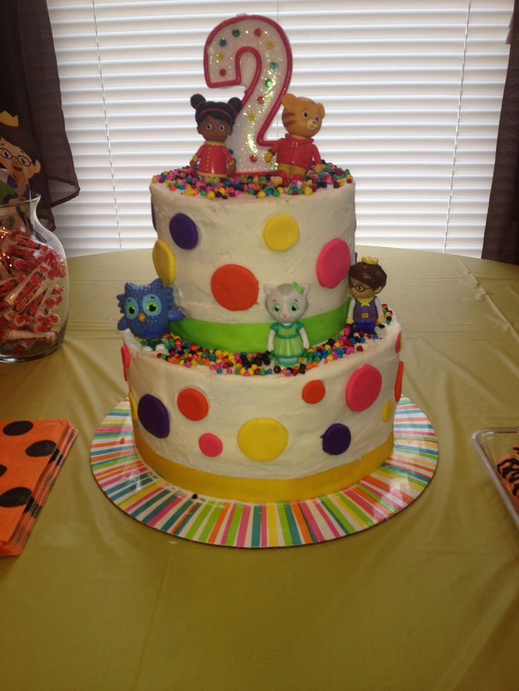 9 Best Daniel Tiger Cake Images On Pinterest Daniel