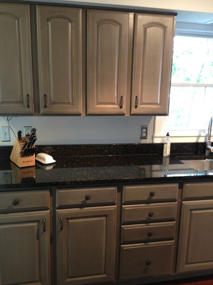 We Just Finished Painting Kitchen Cabinets Using Annie Sloan Chalk Paint In  French Linen. The