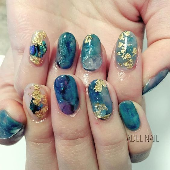 Gold Foil Geodes – Gorgeous Geode-Inspired Designs Are the Newest Trend in Nail …