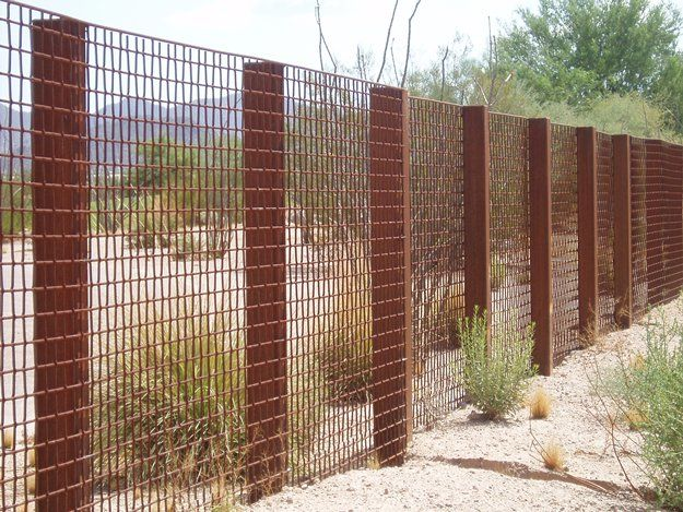 Nice Wire Mesh Fencing   Incorporate With Gaions?