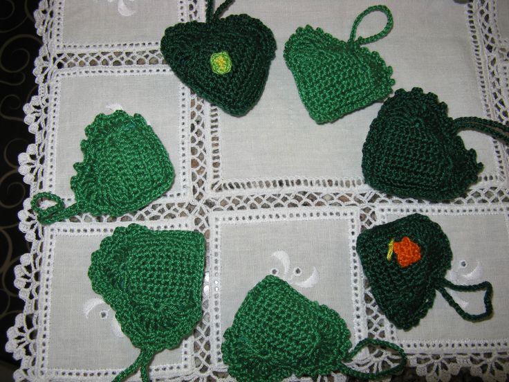 porta chaves em forma de coração - em crochet