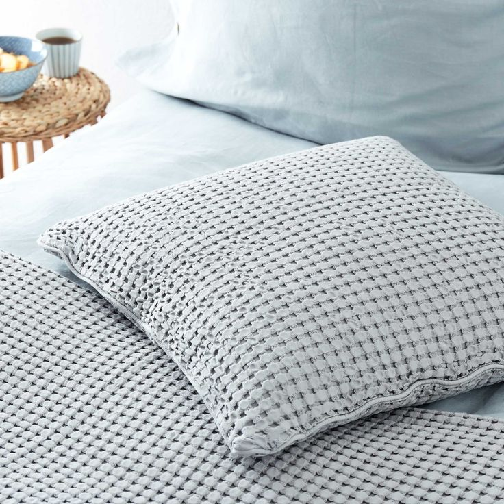 Have a browse of some of my favourite bedlinen and home decor from URBANARA. Find some inspiration to give your bedroom an interiors makeover with a splash of Scandi and grey homewares. Enjoy!