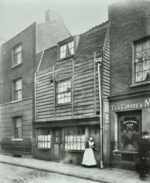 242 Rotherhithe Street, London, 1911