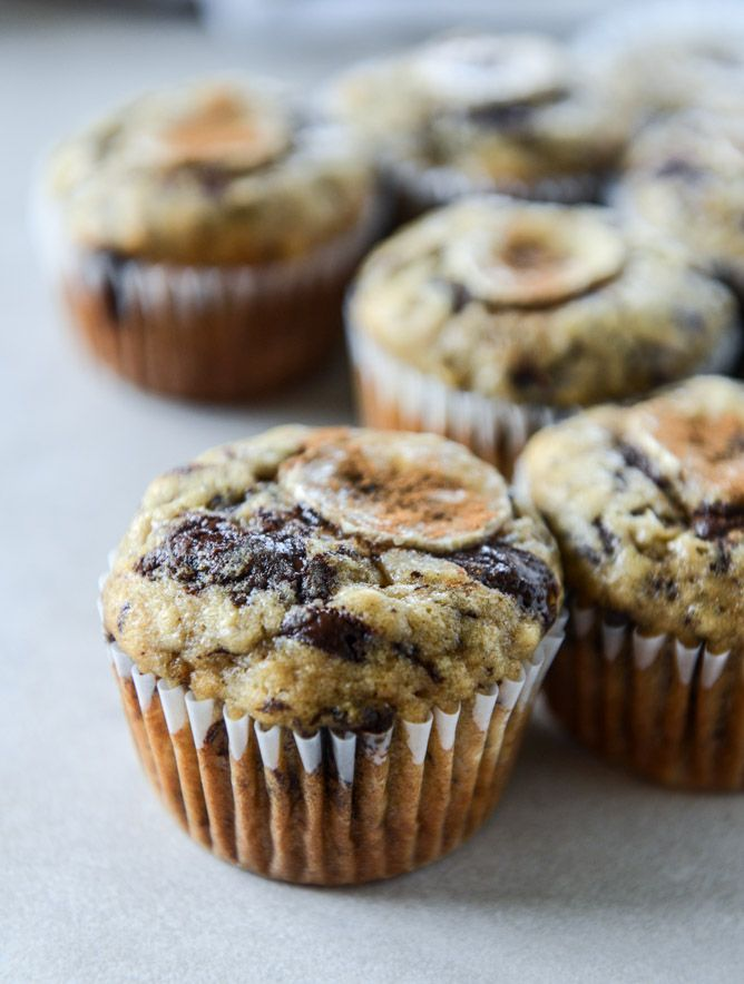 banana muffins with olive oil and dark chocolate I howsweeteats.com