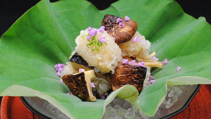 日本料理 龍吟 鱧と松茸の焼霜仕立て2011