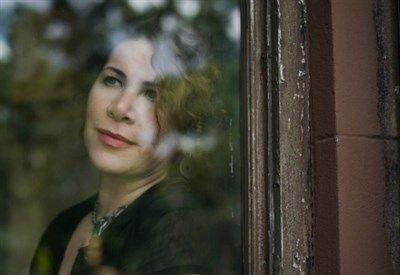 Un Grazie ad Alessadnro Berni del Sussidiario.net per questa bella recensione del nuovo album di Dayna Kurtz - Rise And Fall uscito in Italia per Appaloosa Record ! http://ow.ly/R1Z1dDayna Kurtz