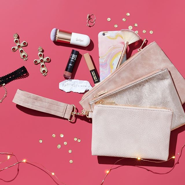 Today's crush? Carry just the essentials for your PM adventures 💃 Shop the cutest clutches now like the Set of 3 Pouches, online and in-store, link in bio. #sportsgirlstyle