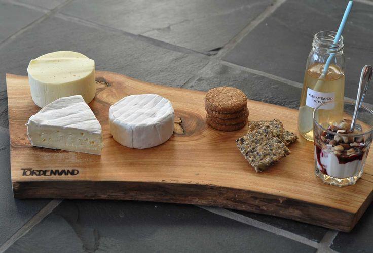 Tapasfad fra @tordenvand bruges her til ostebord