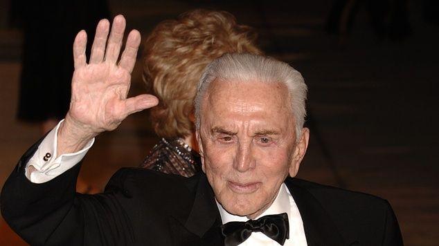ГАЛЛИВУД. Сегодня легендарный Кирк Дуглас отпраздновал свой 100-летний юбилей с супругой Энн, 97 – Галина Галкина – Блог – Сноб