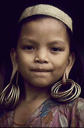 Indonesia. Borneo rain forest. Dyak girl.