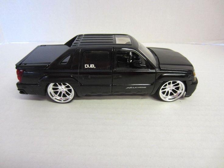 2001 Chevrolet Avalanche Die Cast Truck Black 1:24 Jada Toys #Jada #Chevrolet