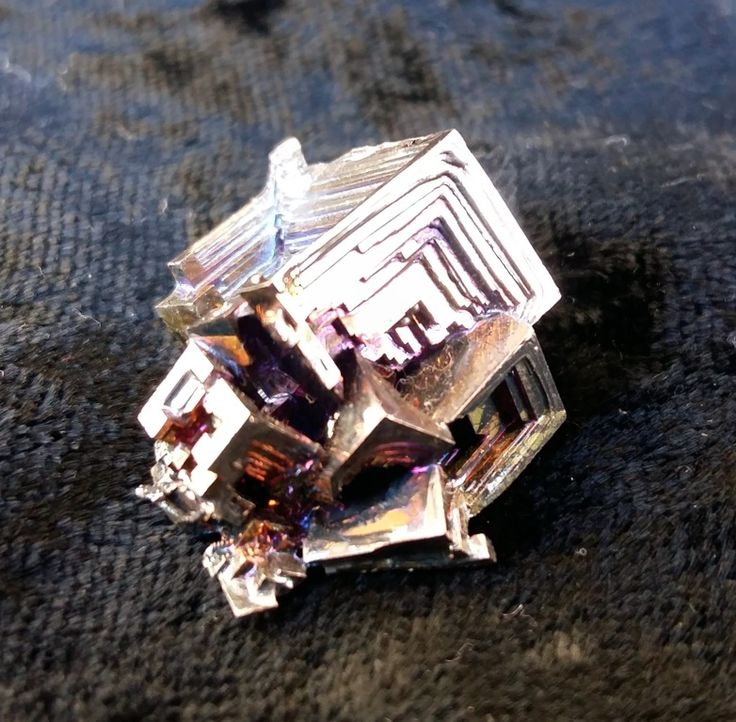 180.00  B013 Bismuth Crystal Pyramid - medium size2x2.5x2cm13grams075889090 healingoilproducts@gmail.comPlease note that photos do not do justice to the beauty of Bismuth and actual crystal colours may vary.