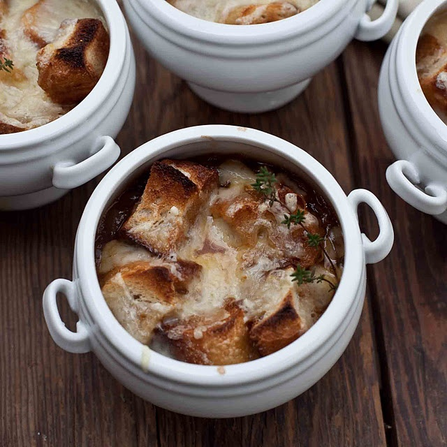Onion soup with mushrooms