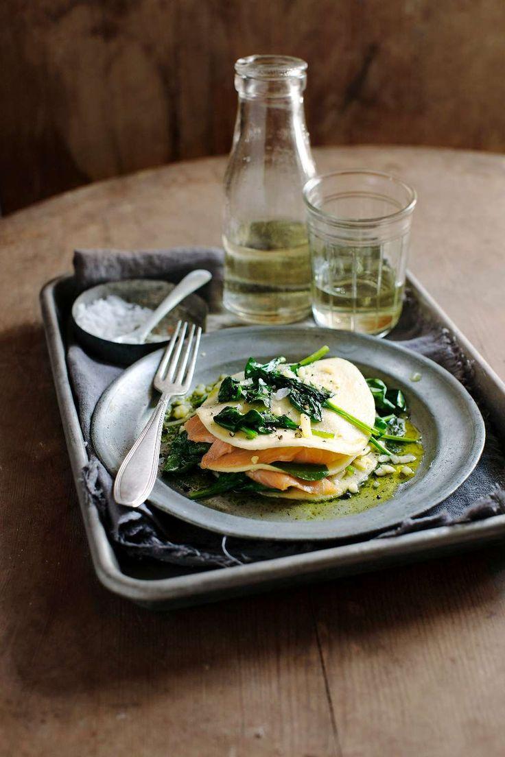 Färsk lasagne med rökt lax (Den här lasagnen ska inte in i ugnen utan läggs ihop precis före servering.) | Fresh lasagna with smoked salmon