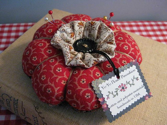 YOYO Flower Pincushion by piccalilli days, via Flickr - I like the ruffle in the centre