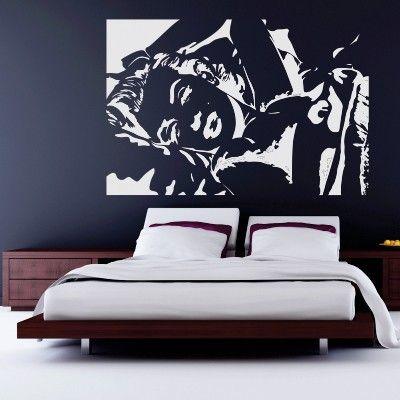 """Adesivo Murale - Marilyn Monroe, l'indimenticata diva di Hollywood.  Adesivo murale di alta qualità con pellicola opaca di facile installazione. Lo sticker si può applicare su qualsiasi superficie liscia: muro, vetro, legno e plastica.  L'adesivo murale """"Marilyn Monroe"""" è ideale per decorare la vostra camera da letto.  Il colore scelto è riferito al contorno (bianco in figura). Adesivi Murali."""
