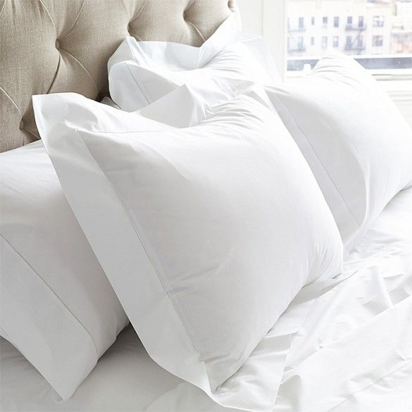 The+7+Best+White+Bedding+Sets+via+@domainehome
