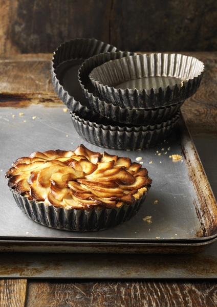 apple tart (via Diana Miller)