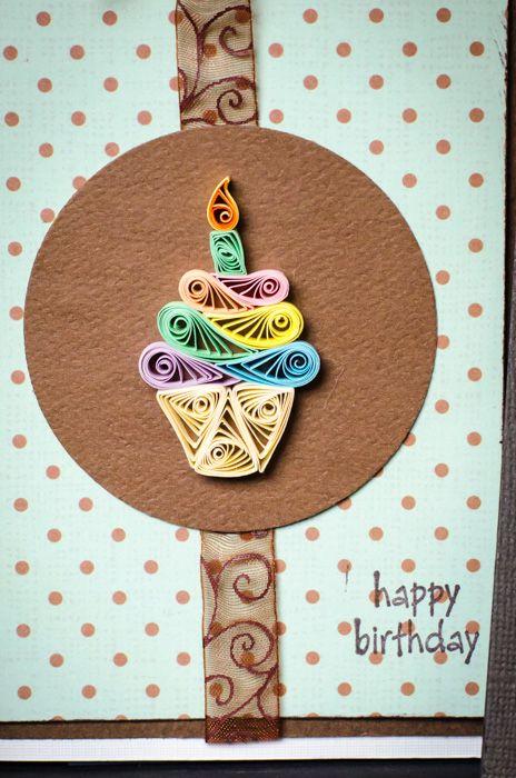 Cupcake de cumpleaños filigrana/quilling