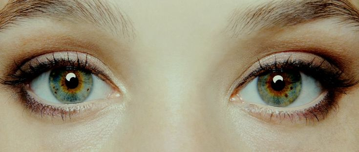 I Origins - great movie. DON'T WATCH THE TRAILER :D full of spoilers ...
