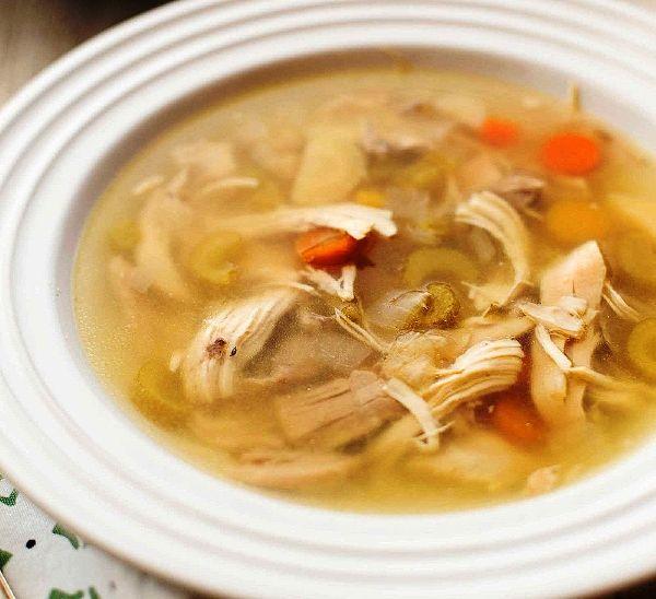 Как сделать диетический куриный суп Овощной суп на курином бульоне в мультиварке, приготовленный из целой курицы – лучшее лекарство для тех, кто болен, для детей и всех, кто хочет питаться вкусно и правильно
