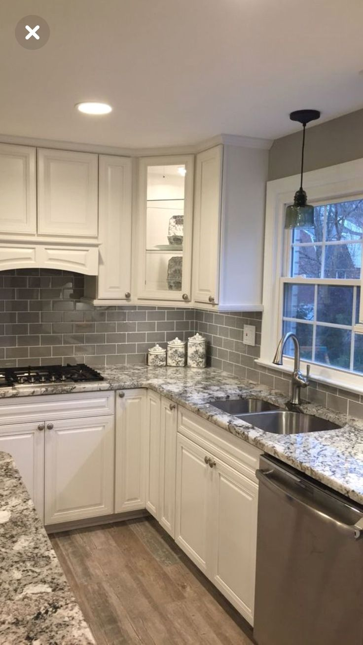 Selecting The Best Color For Your Kitchen Cabinets Check Pic For Various Kitche Kitchen Remodel Small Kitchen Backsplash Designs Farmhouse Kitchen Backsplash