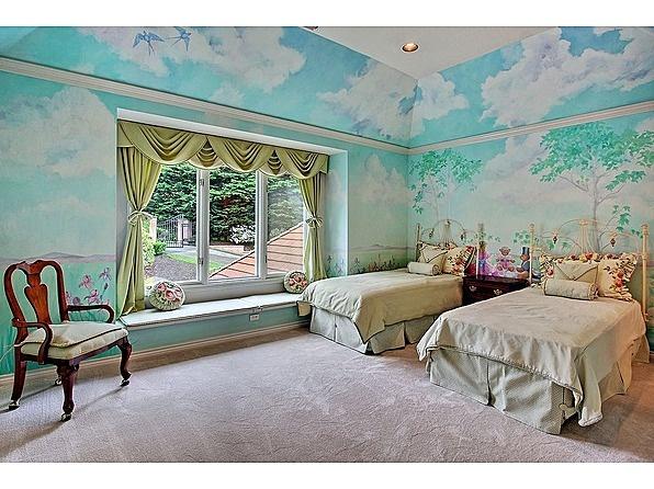 "Everyone's favorite teddy bear song in a bedroom! ""The Teddy Bears' Picnic"" inspired children's mural. #books #kidsroom #mural #interiordesign"