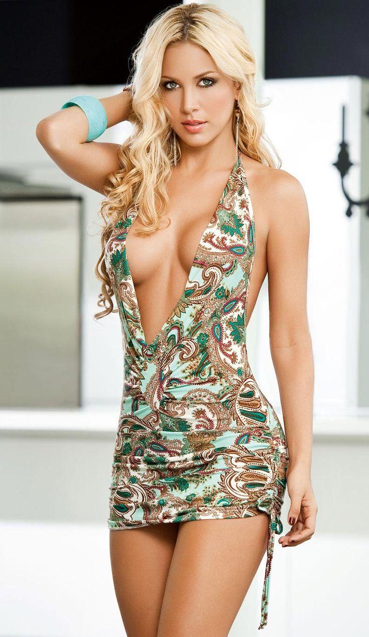 Порно фото красивых девушек в мини платье