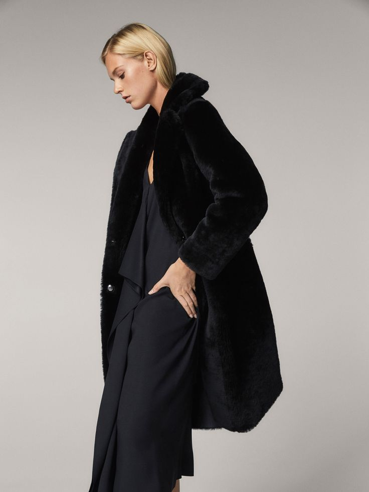 Fall Winter 2017 Women´s REVERSIBLE MOUTON FUR COAT at Massimo Dutti for 899. Effortless elegance!