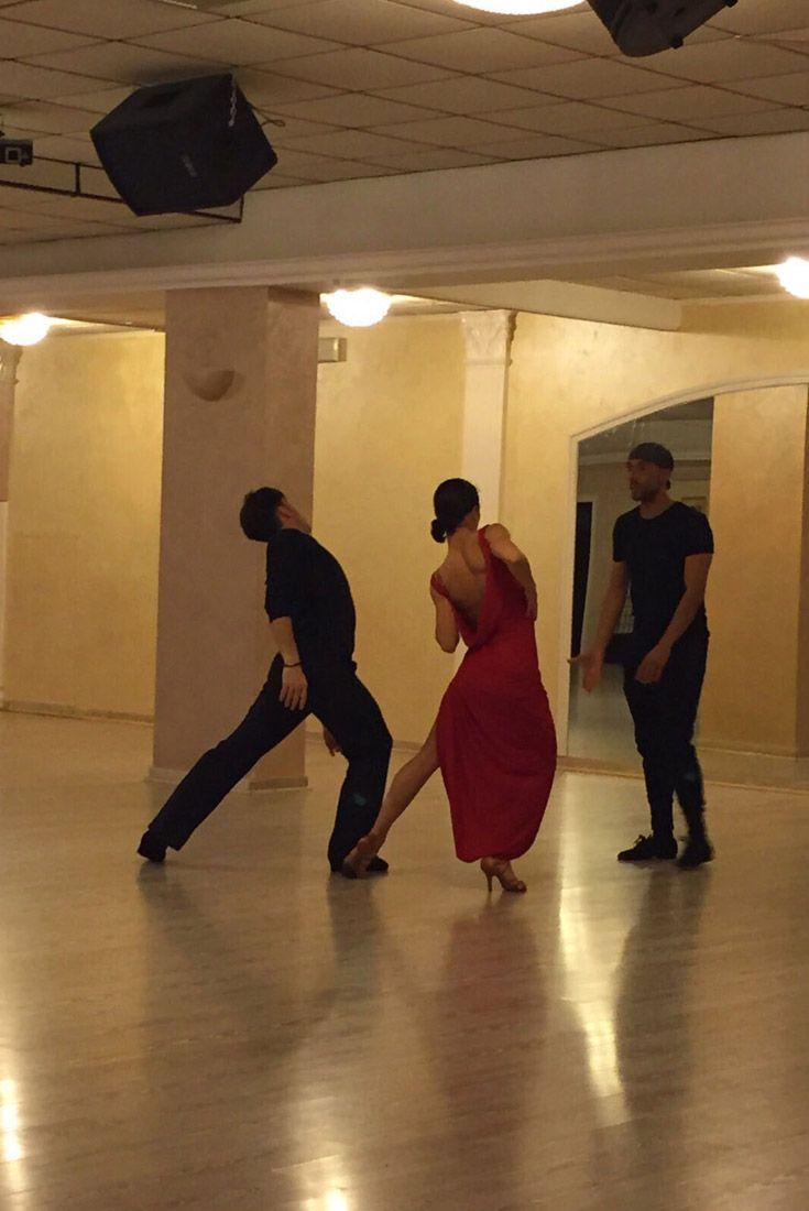 I nostri ragazzi sono il nostro vanto! La danza è disciplina, lavoro, insegnamento, comunicazione ancor prima di essere talento. La passione è il carburante, ma l'allenamento (seguito da professionisti) permette di completare la corsa verso il trionfo! #BlackMamba #hardwork #willpower #concentration #sweat e #commitment #lavoro #forzadivolontà #concentrazione #BlackMambaDanceStudio #latin #dance #dancers #ballroom #passion #sport