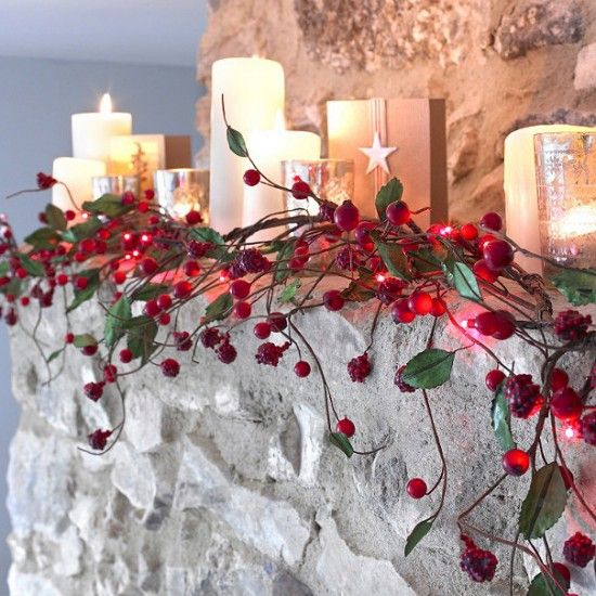 Different!Christmas Decor Ideas, Red Berries, Christmasideas, Decorating Ideas, Christmas Lights, Garlands, Christmas Ideas, Christmas Mantles, Christmas Mantels