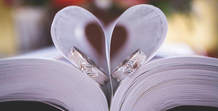 Sprüche für das Gästebuch: Die schönsten Zitate und Weisheiten Glück ist Liebe, nichts anderes. Wer lieben kann, ist glücklich. Hermann Hesse Im Ehestand muss man sich manchmal streiten, denn dadurch erfährt man etwas voneinander. Johann Wolfgang von Goethe Wer den anderen liebt, lässt ihn gelten so wie er ist, so wie er gewesen ist und …
