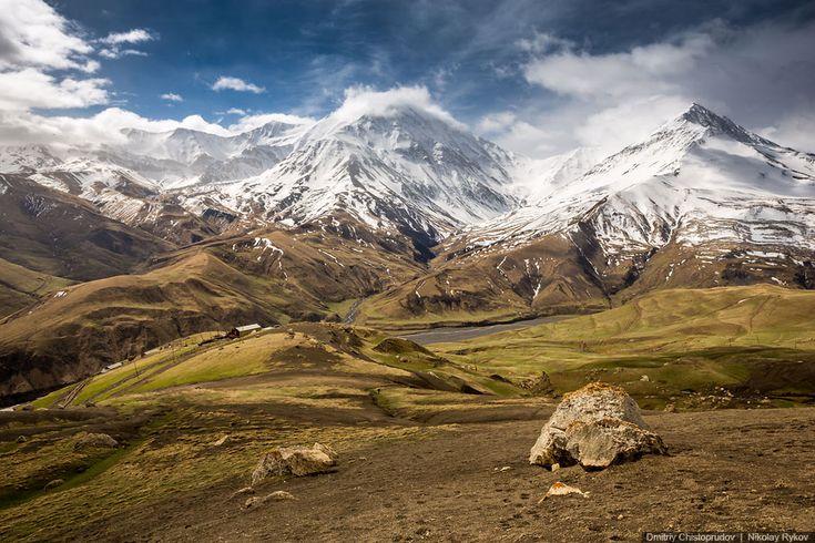Caucasus. Dagestan. Aul Kurush . The mountains in the snow is Azerbaijan. ========================= Кавказ. Дагестан. Аул Куруш. Горы в снегу это Азербайджан.